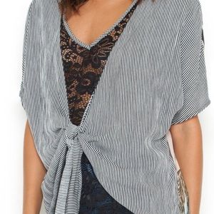 NWT Scrapbook front tie short sleeve blouse